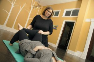 physiotherapist Nicola Robertson works with patient - Belleville - She Thrives - Physiotherapy - Orthopedic - Pelvic Floor - Vestibular